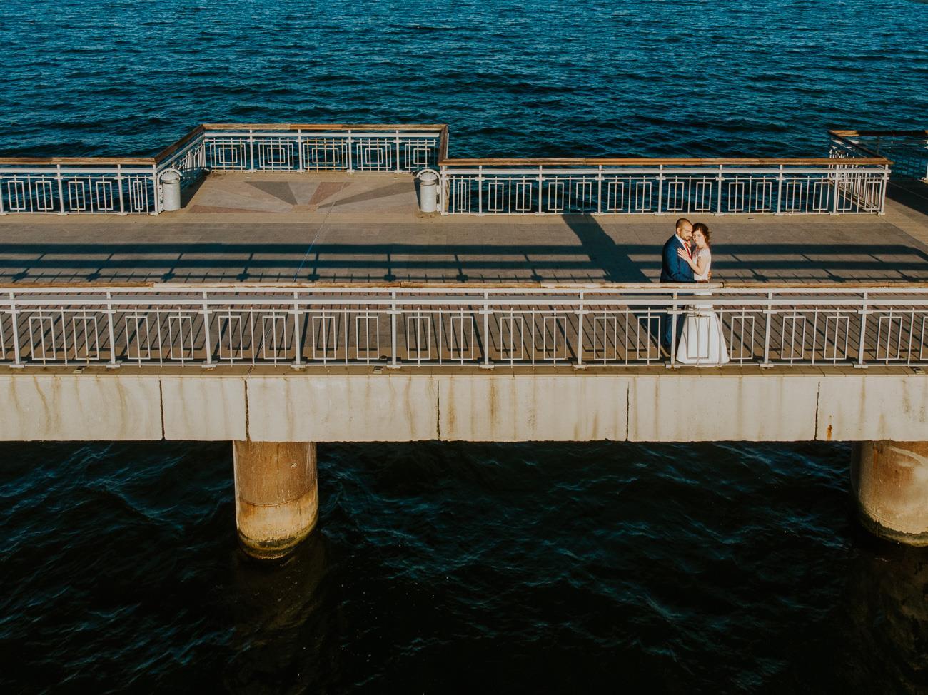 сватбена фотосесия край морето