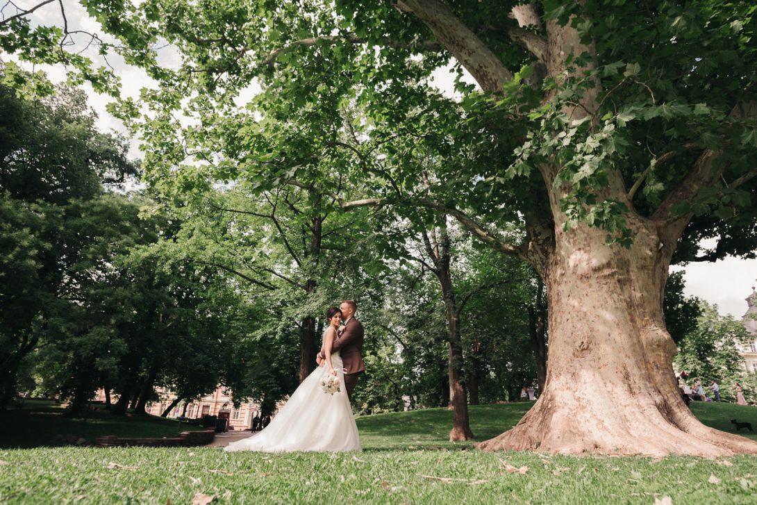 Красива и стилна сватба в хотел Балкан